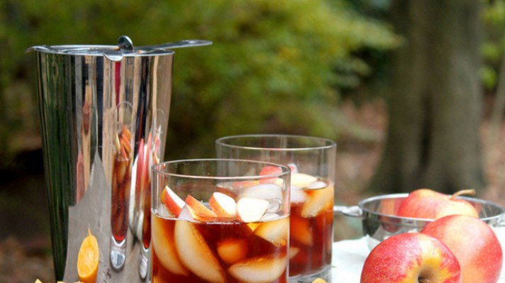 Студен чай с ябълки