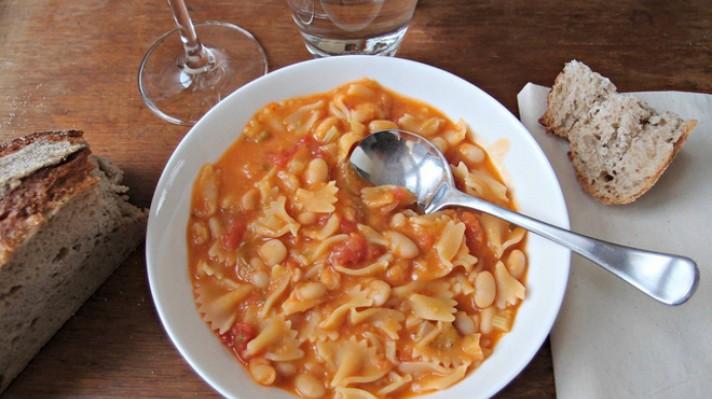 Супа с пилешки дробчета и макарони|escape