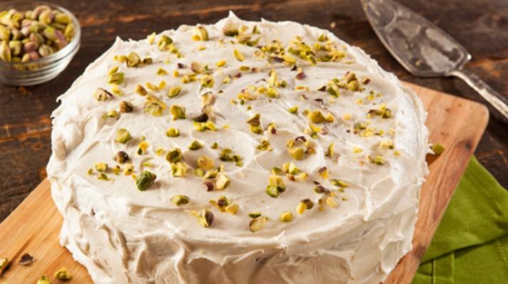 Торта с крем от маскарпоне и шам фъстъци