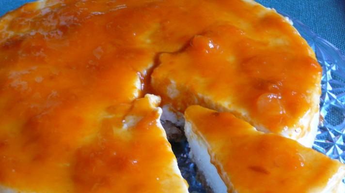 Печен чийзкейк със сладко от кайсии