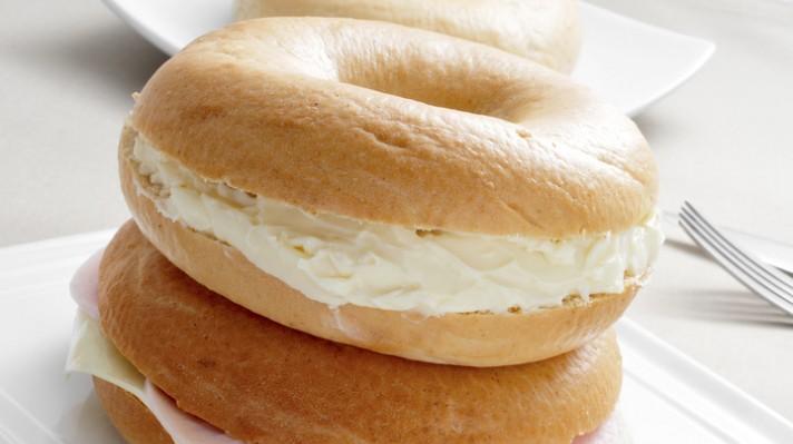 Бейгъли с медна горчица и крема сирене escape