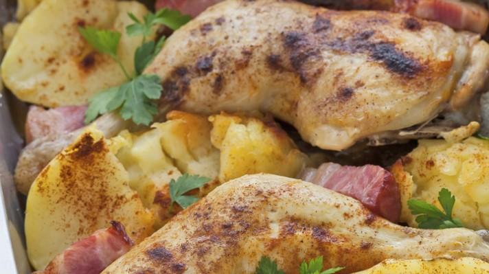Пиле в бекон с картофи escape