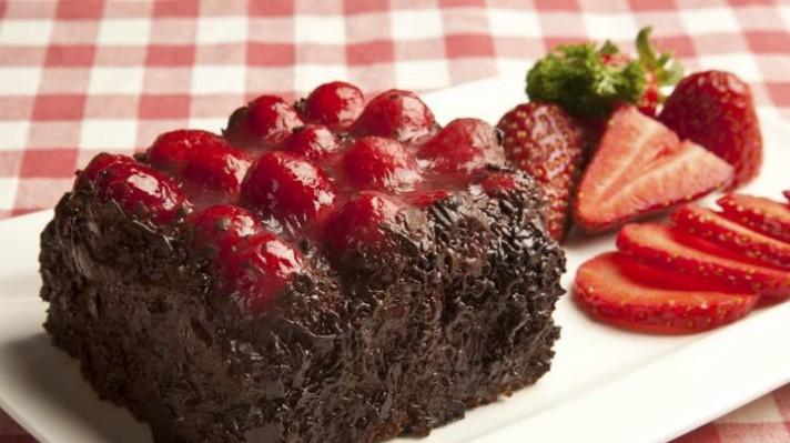 Кекс с какао и ягоди с глазура|escape
