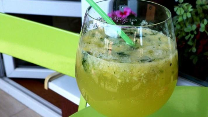 Домашна лимонада с мента