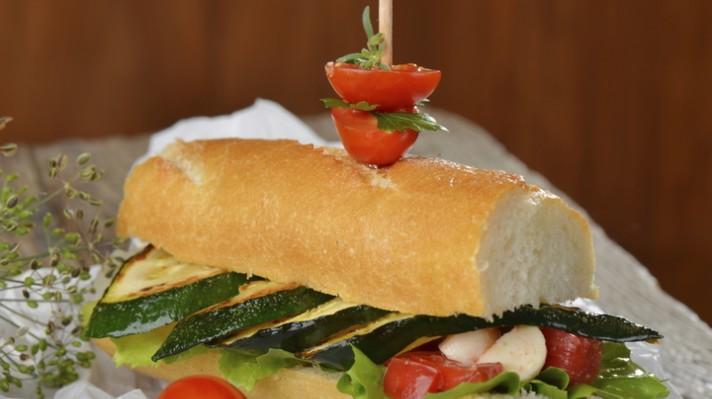 Сандвич с гриловани зеленчуци|escape