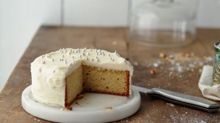 Бананова торта с крема сирене|escape