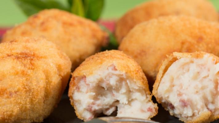 Картофени топчета с бекон и топено сирене|escape