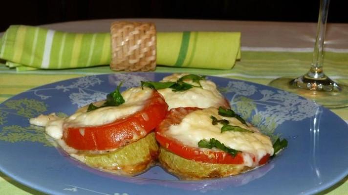 Тиквички с домат и сирене на фурна|escape