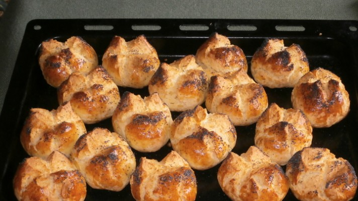 Пикантни хлебчета с мак|escape