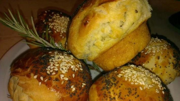 Чеснови билкови хлебчета escape