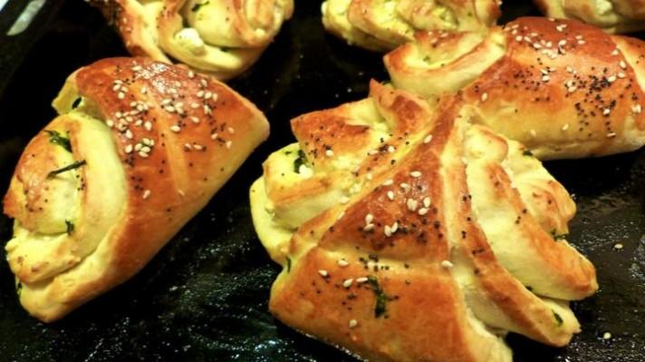 Хлебчета със сирене и босилково песто|escape
