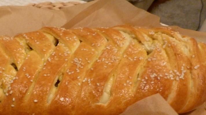 Плетен хляб с плънка от картофи|escape