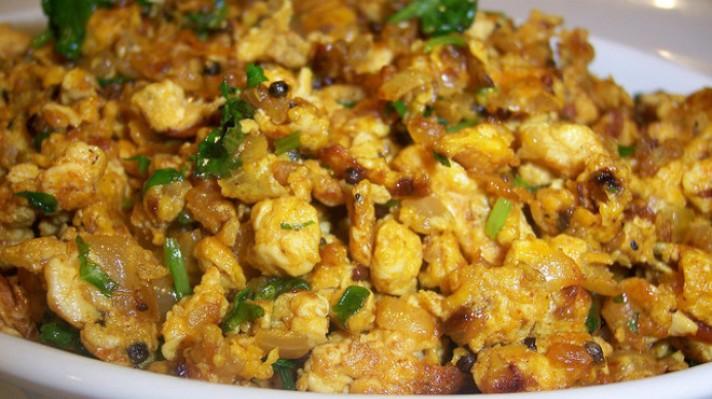 Бъркани яйца с пиле и магданоз|escape