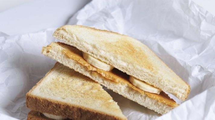 Сандвич с фъстъчено масло и банан|escape