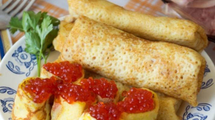 Руски палачинки (блини) с хайвер|escape