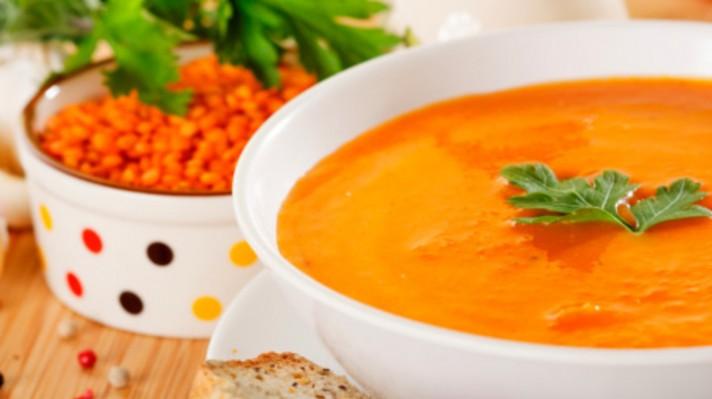 Арменска крем супа от леща и кайсии