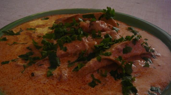 Бяло пилешко месо със сос|escape