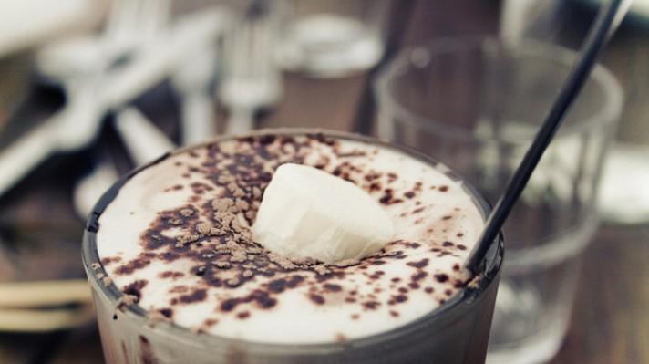 Мляко с какао и мака escape