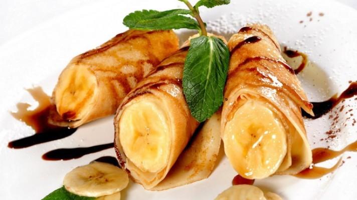 Палачинки с кленов сироп и банани escape