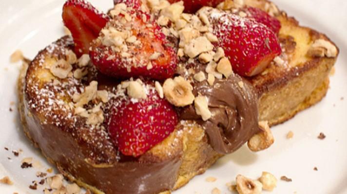 Пържени филийки с ягоди и течен шоколад|escape