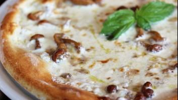 Пица със сметана и гъби