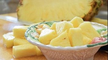 Плодова салата от ананас