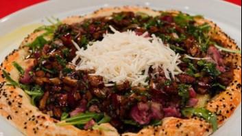 Талята върху пица