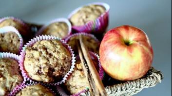 Ябълкови мъфини с канела и лимонови корички