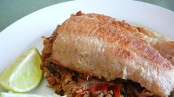 Риба с орехов сос