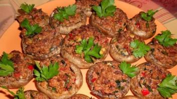 Пълнени печурки с кайма