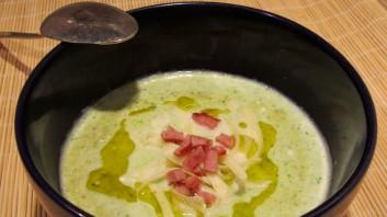 Супа с карфиол, броколи и бекон