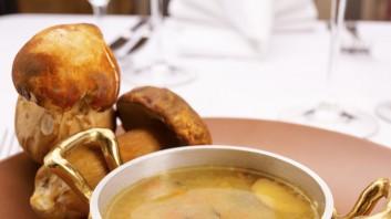 Супа от телешки джолан с гъби и ориз