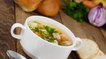 Трансилванска супа с чушки и бекон
