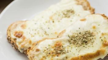 Топли сандвичи с яйце и сирене