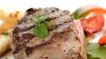 Свинско филе с хрупкава коричка