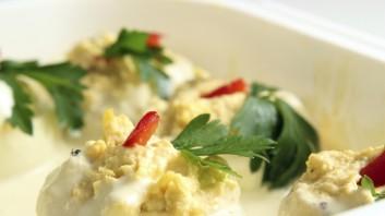 Пълнени яйца с риба тон и сметана