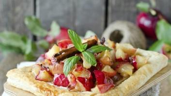 Ябълкова тарта с бутер тесто