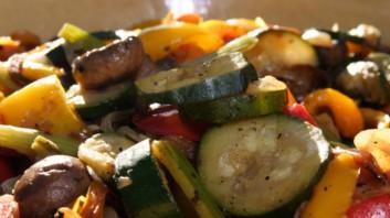 Бързо зеленчуково ястие в тиган