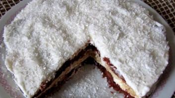 Бисквитена торта с кокос