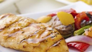 Пиле със сос от мента и краставици