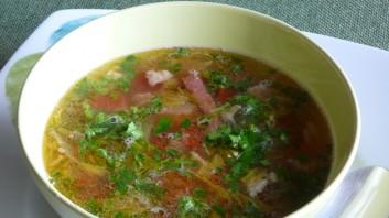 Пролетна супа с боб