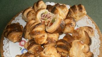 Солени кифлички с бутер тесто