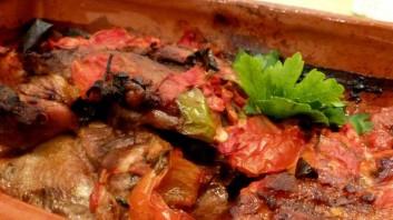 Крехко свинско с домати на фурна