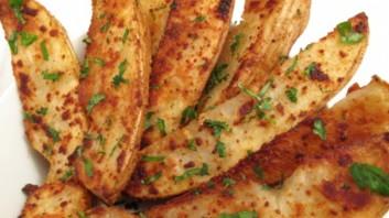 Пикантни картофки на фурна