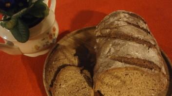 Хляб с ръжено и ленено брашно