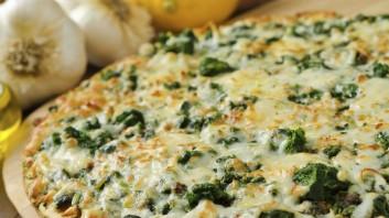 Пица със спанак, гъби и маслини