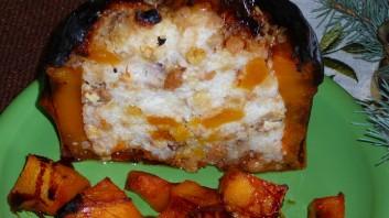 Печена тиква с ориз и плодове