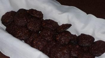 Хрупкави бисквити с лешници