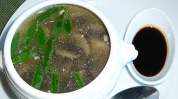 Китайска супа с гъби и пиле