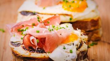 Сандвич с яйце Croque Madame